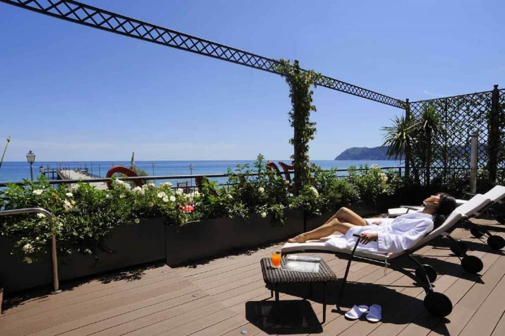 Realizzazione giardino terrazza sul mare