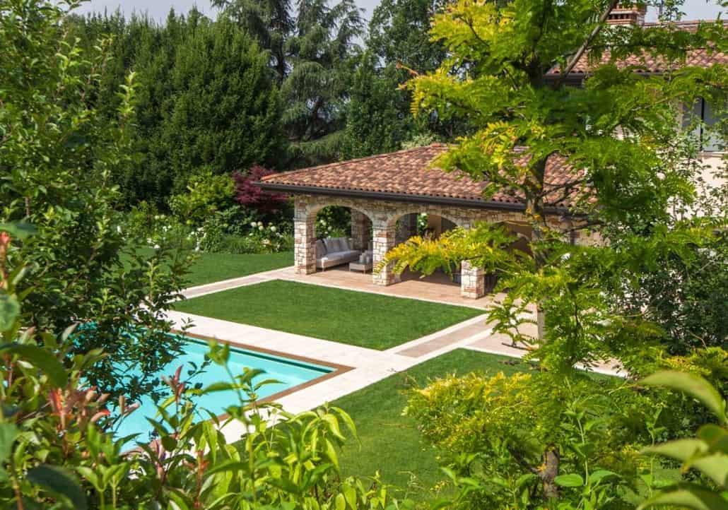 Realizzazione giardino con piscina